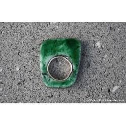 Bague en argent et lave émaillée verte
