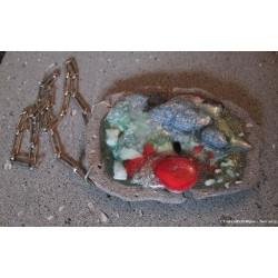 Collier imposant en pierre de lave émaillée et plaqué argent