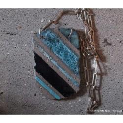 Collier en lave émaillée rayé bleu et plaqué argent