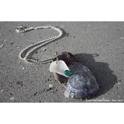 Collier en lave émaillée, perles de verre et argent